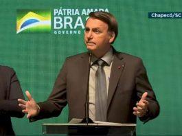 Em Chapecó, Bolsonaro defende tratamento imediato e critica lockdown